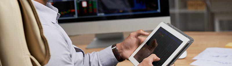 pénzt keresni online háttérrel magasabb alacsonyabb az opciónál