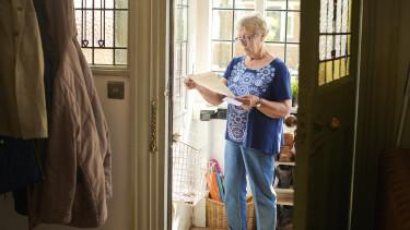 hogyan kereshet pénzt a nyugdíjas otthon)