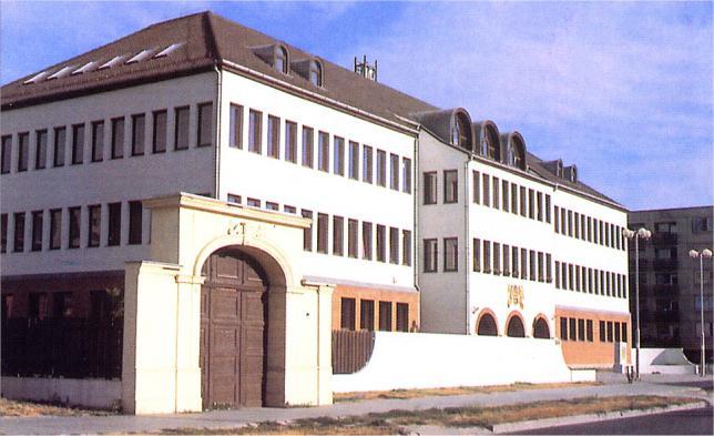 kereskedelmi iskolák)