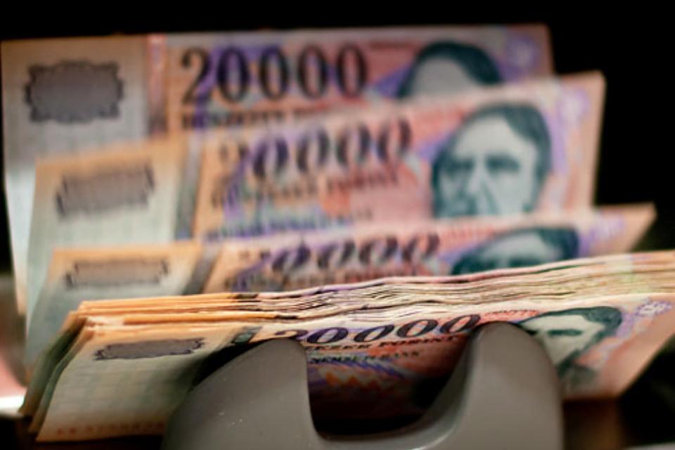 internetes pénz, hogyan lehet pénzt keresni kereskedési opciók 1 dollártól