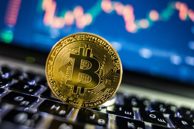 hogyan lehet pénzt keresni jutalék bitcoin)
