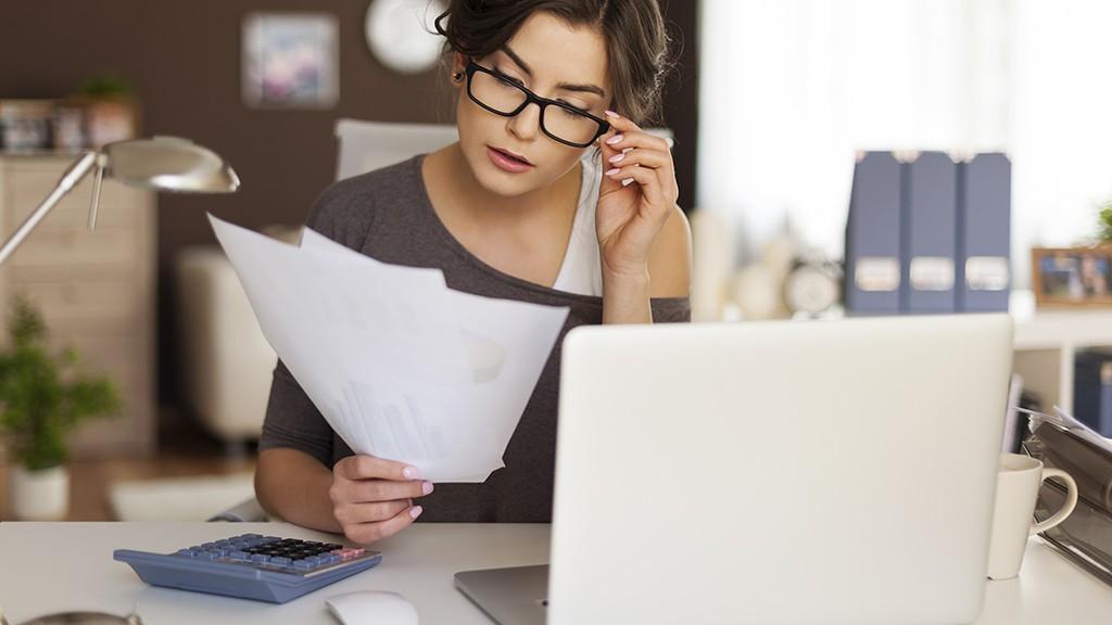 kereset és az interneten végzett munka